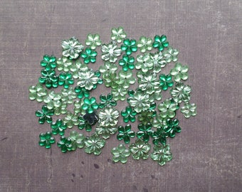 Lot 100 Green rhinestones form flower 9mm to 1.2 cm shade