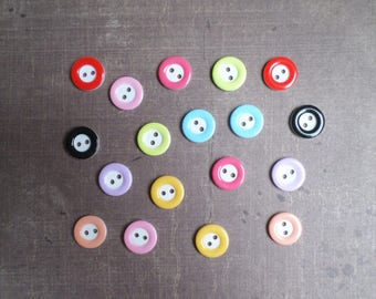 80 mix colors and white 1.3 cm 2 hole buttons