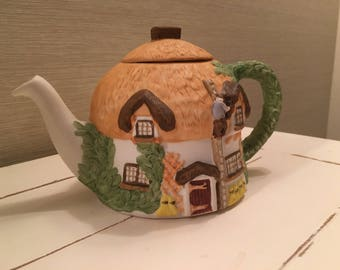 Collectable Staffordshire Pottery - Christopher Wren Tea Pot