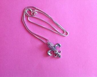 Lovely Fleur de Lis Pendant with Chain