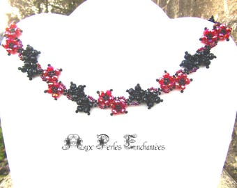 Necklace sparkling Garland of flowers made of faceted beads