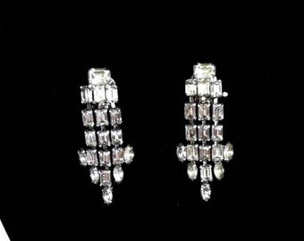 MAD MEN RHINESTONE Earrings Vintage Weiss Clip On Earrings 1950s Costume Jewelry Bridal Earrings Wedding Jewelry Gift Idea