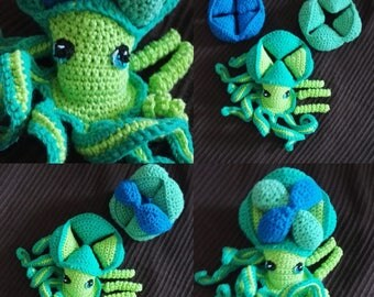 Cuddly crocheted Octopus puzzle