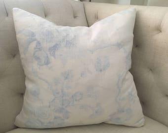 """Brunschwig et Fils Floral Toile Linen Pillow Cover, 22""""x22"""""""