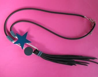 1 rubber necklace, Original, trendy, Nouvelle Collection, very light.
