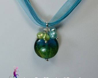 Turquoise organza necklace with blue and green pendant bead and freshwater CO80