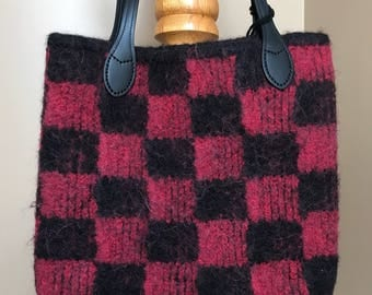 Black and red checkered pattern wool felt tote bag