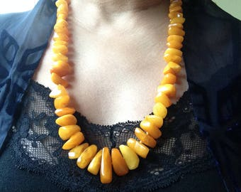 Vintage amber necklace with toffee colour
