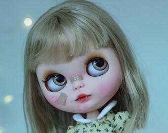 Custom Factory Blythe doll - with blonde hair - Jane