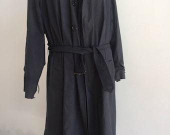 Classic Burberrys Mens Vintage Trench Raincoat