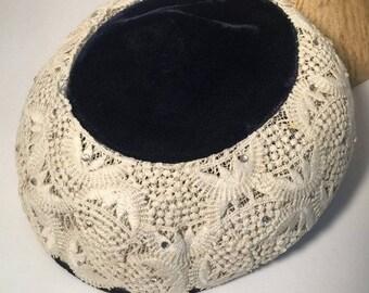 vintage hat / vintage 1950s hat / vintage velvet hat