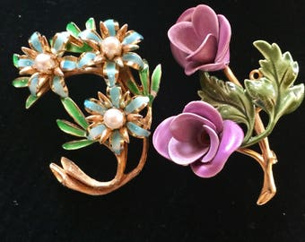 2 Bright Painted Metal Flower Pins 1950s Vintage Brooches PURPLE Turquoise Green & 'Pearls'