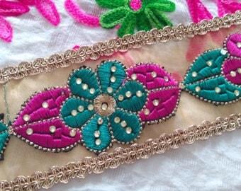 Royal Style 2 Yard Golden Net Base Green Pink Floral Pattern Sequin Indian Trim Sewing Golden Border Sari Lace Saree trim India FT 11