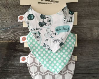 All 3 bibs bib bavana baby 0-12 month Mickey Mouse Mint turquoise