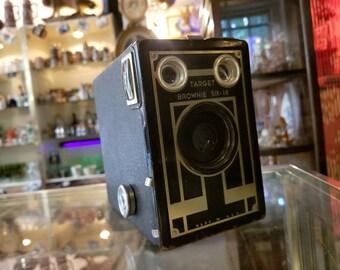 Vintage Eastman Kodak Brownie Target Six-16 Camera