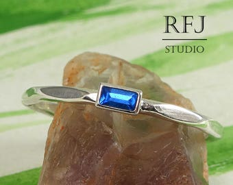 Rectangle Blue Sapphire Faceted September Silver Ring, Stackable Ring 3x1.5 mm Lab Synthetic Sapphire Baguette Cut Ring Stacked Blue Ring