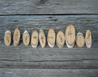 Natural Wood burned Christmas ornaments, Natural wood rounds ,Primitive Christmas Tree Decorations