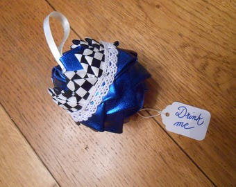 Christmas ornament - Alice 1 - Alice's Adventure in Wonderland