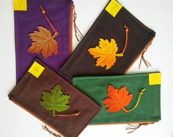 Offer 678, pencil case (4 different colors) choose application of felt on each leaf