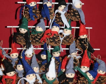 "Christmas decoration: set of 6 Elves ""pinecone"""