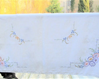 Vintage French Tablecloth, linen tablecloths, floral linens, table items, French fabrics,