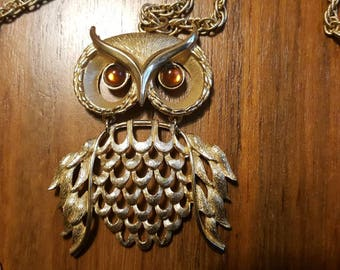 Vintage Mod 60s OWL with Glass Eyes Gold Tone Double Chain Pendant Necklace