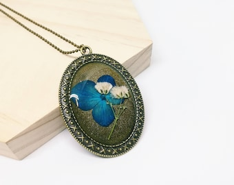 Hydrangea Flower Necklace - Oval