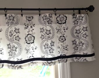 "16"" Lined Valance - Black and Eggshell"