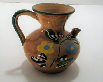 Mexican vessel, painted with spout