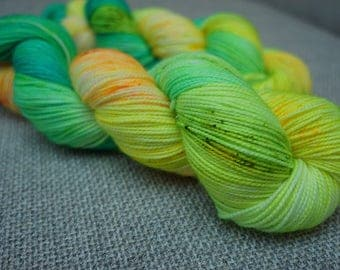 Electric Avenue, Twisted Sock (100g) 365m Hand dyed sock yarn.
