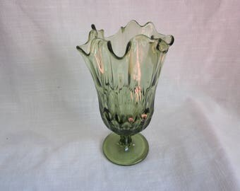 Fenton Green Glass Handkerchief Thumbprint Swung Vase