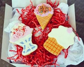 Dante's Ice Cream Cookie Box /Dog Treats /Healthy Dog Treats /Dog Cookies /Organic Dog Treats /Dog Bakery /Dog Birthday /Dog Gift