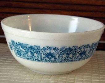 Pyrex 403, Horizon Blue Mixing Bowl, Vintage Mixing Bowl, 2-1/2 QT Mixing Bowl