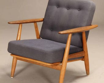 Hans Wegner GE-240 Cigar Chair in Oak