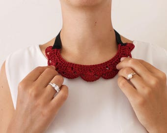 Crocheted necklace for women.  Crochet necklace.