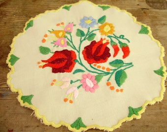 Unused,Lovely,Vintage,Hungarian handmade embroidered doily ,Kalocsa flower pattern,Cottage/Shabby Chic