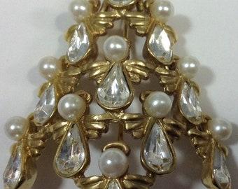 BW Rhinestone/Pearl Angel Christmas Tree Pin