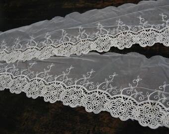 1.48 m x 16cm lace ecru embroidered tull REF 1114
