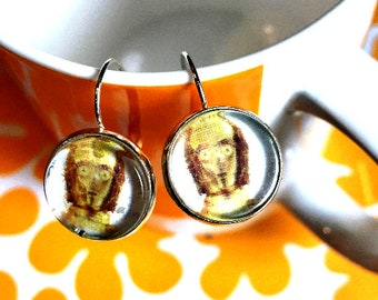 Handmade C3PO Star Wars cabochon earrings- 16mm