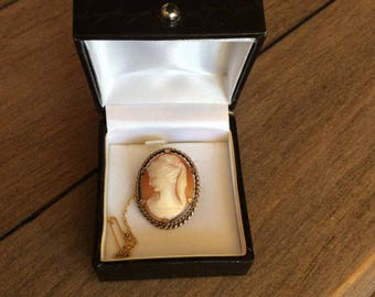 Beautiful rolled gold Cameo brooch