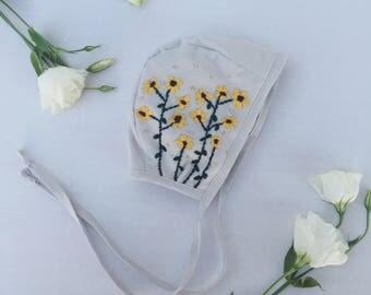 Sunflower-Embroidered bonnet // baby bonnet/ cotton bonnet.