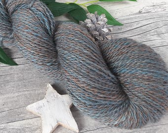 """Handspun Yarn - """"Stormy 'Autumn II"""" - bluefaced leicester - hand dyed - 260yds/3,56oz - 2ply"""