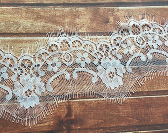 White Trim Lace, Lace Trim for Bridal Veil, Wedding Lace Trim, 2.95 Inches Wide 3.28 Yards/ Craft Supplies, WL840
