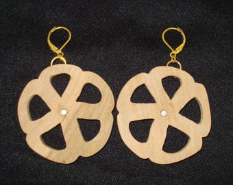 """""""Daisy"""" collection earrings"""