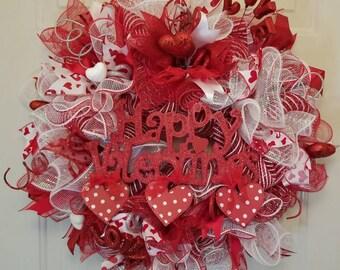 Valentines Day Wreath, Valentines Day Decor, Valentines Day Mesh Wreath, Valentines Deco Mesh Wreath, Valentines Ribbon Wreath, Heart Wreath