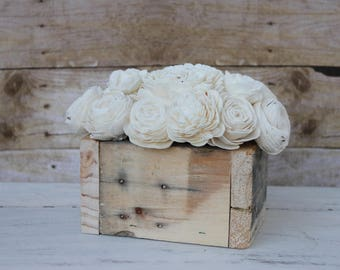 Natural White Sola Wood Flower Centerpiece Pallet Wood