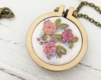 Floral Necklace - Flowers - Mini Embroidery Hoop - Necklace - Unique - Embroidery - Miniature Hoop - Jewellery