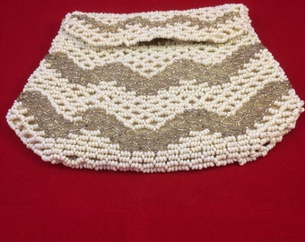 Vintage beaded evening bag/clutch/purse. 20s 30s 40s. Cream and silver beads. Retro. Boho. Bridal accessory.