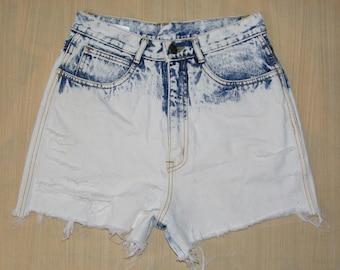 Size 8-10 vintage 80s frays/rips high waist shorts bleach/acid wash denim (HN25)