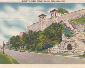 Kansas City, Missouri Vintage Postcard - Kersey Coates Drive, Kansas City Park System, Missouri River